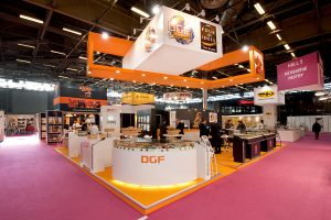 stand-salon-coloré-chalereux-evenement-standiste