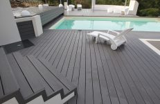 piscine avec terrasse en lame