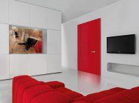Porte intérieure rouge en bloc-porte