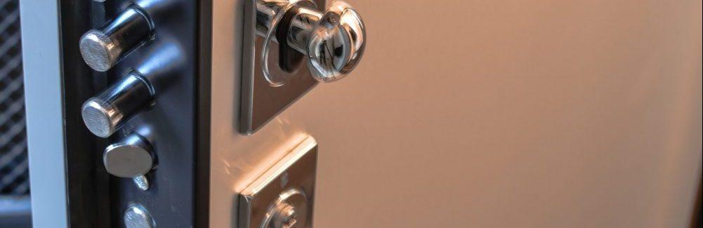 3 avantages offerts par une porte d'entrée blindée