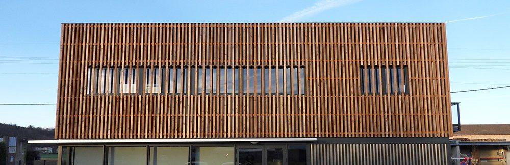 Les portes en bois sur mesure pour votre entreprise