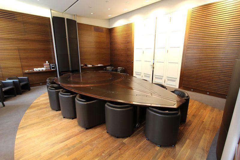 bureau originale pour une salle de réunion