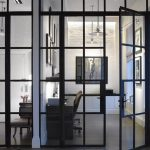 Les portes vitrées, pour une maison lumineuse.